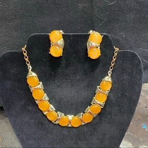 Matching vintage Necklace and earring set